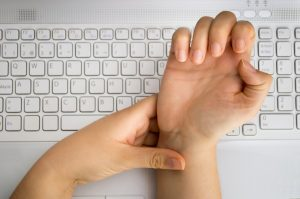 What is Carpal Tunnel Syndrome – Symptoms, Treatment and More